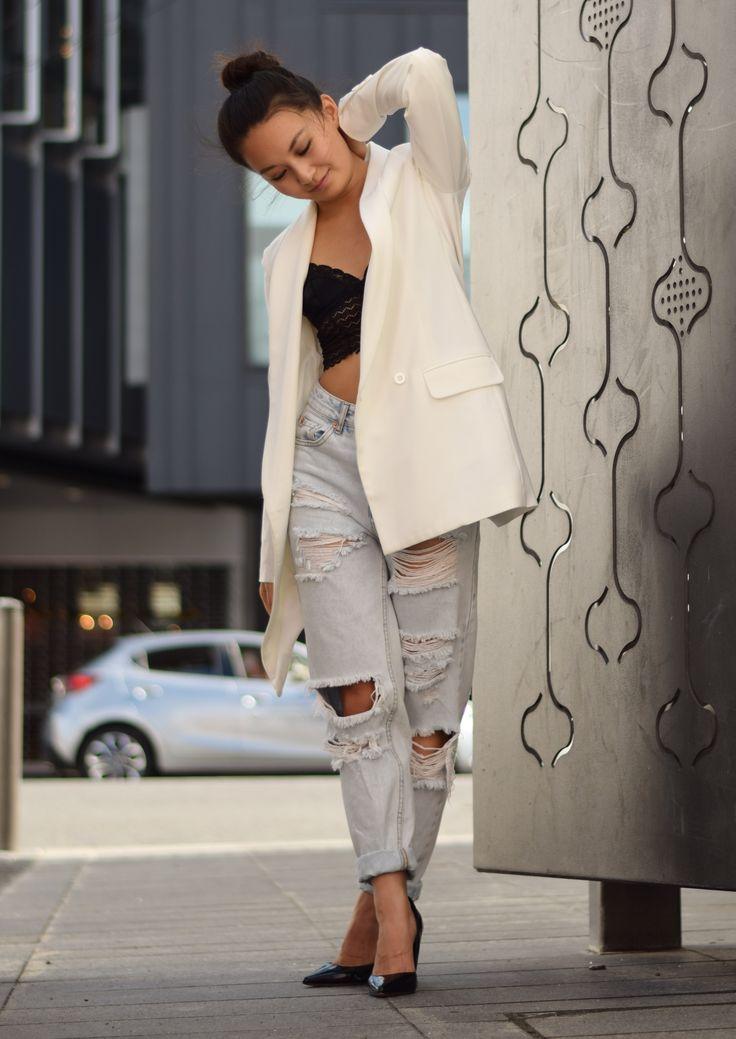 Ripped Jeans x 3 #rippedjeans #petitefashion #whiteblazer #blackheels #bralette #petitegirls #asianmodel #panapetite