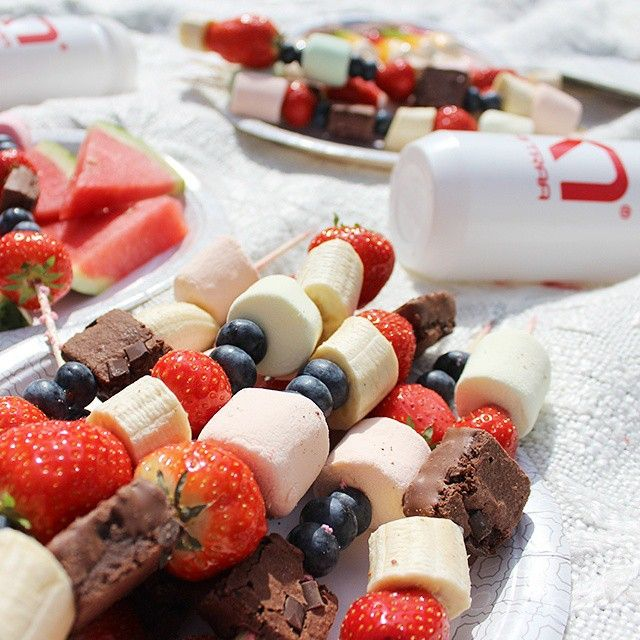 Summer = festival and picnics☀ Invite your friends for a sunny day out Get some ideas for your picnic basket here karitraa.com/site  #karitraa #festival #summer #picnic