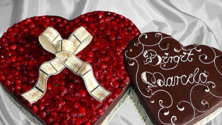 Die Hochzeitstorte ist ein wichtiger Bestandteil der Hochzeitsfeierlichkeiten, gilt als Fruchtbarkeitssymbolund bildet die süße Krönung des Menus. Wir zeigen Ideen und Trends für den mehrstöckigen Kuchen und liefern wichtige Tipps.