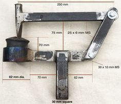 Dimensioned sideview of the tool