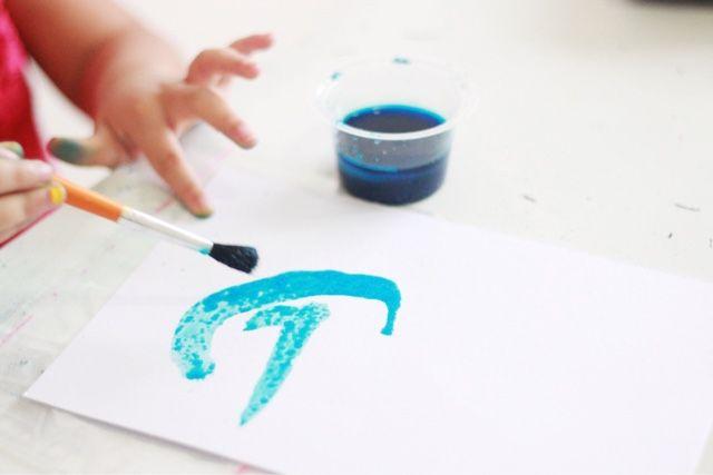 Play Ideas - Colorful Salt. www.lifeatarcilland.com