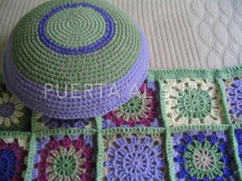 Almohadones de Lana en lila y verde