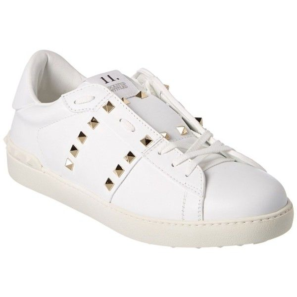 Valentino Valentino Rockstud Untitled Leather Sneaker (66300 RSD) ❤ liked on Polyvore featuring men's fashion, men's shoes, men's sneakers, shoes, white, mens leather shoes, mens studded shoes, mens leather sneakers, mens white shoes and valentino mens sneakers