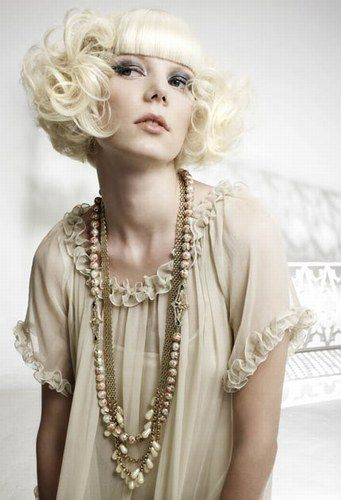 such a retro look, very 20s I love it!