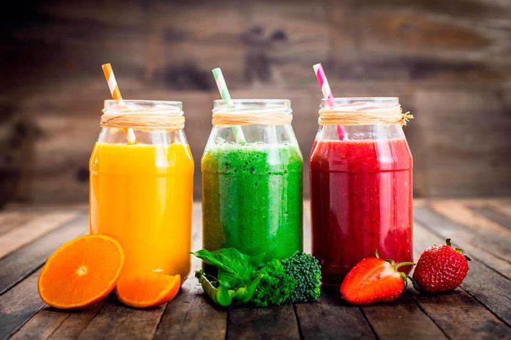 Supera el síndrome postvacacional con estos 7 zumos fáciles de preparar y desintoxicantes. ¡Perfectos para recuperar el equilibrio de comida sana!