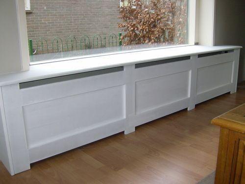 In de woonkamer wil ik een radiator ombouw laten maken. Ik heb 2 foto's bijgevoegd voor het idee. Dit zijn dus voorbeelden zoals ik het graag zou krijgen. De breedte is 2.60m
