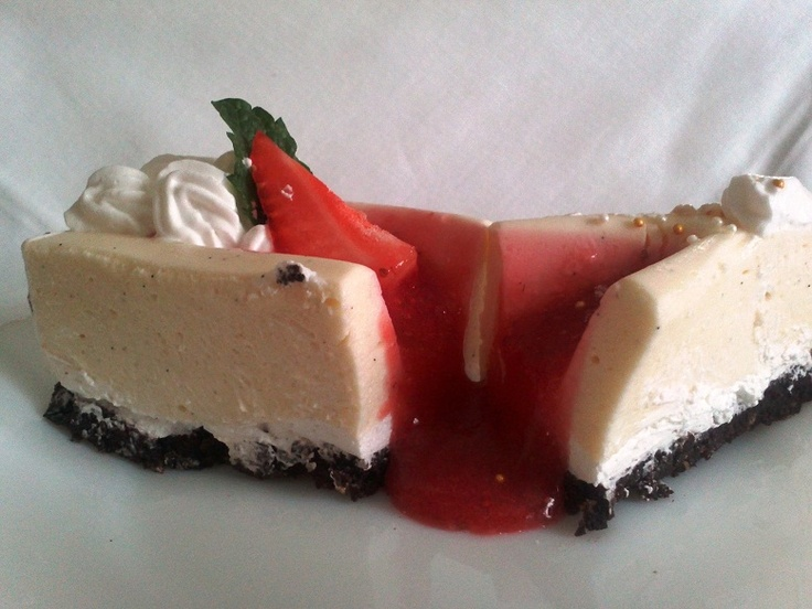 Vanilla Zila cake with strawberry sauce