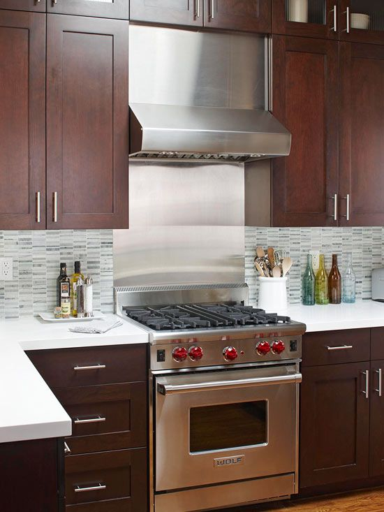 BHG: contemporary small kitchen. Without the stainless steel backsplash.