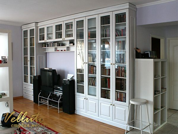 Книжный застекленный шкаф / Home library