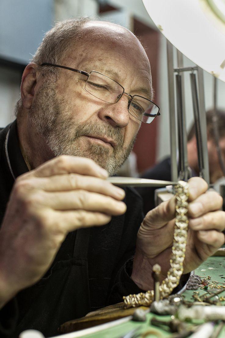 Phill Mason Jewelers Photo by Steve Lovegrove