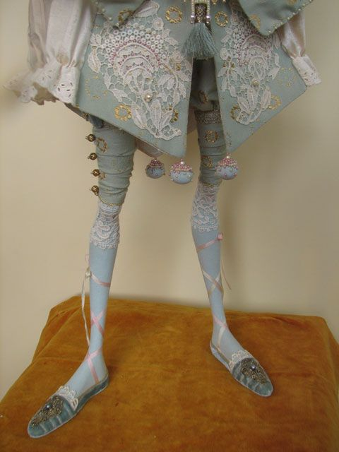 http://www.annadan.com.ua/images/stories/dolls/blue_pierrette_08.jpg