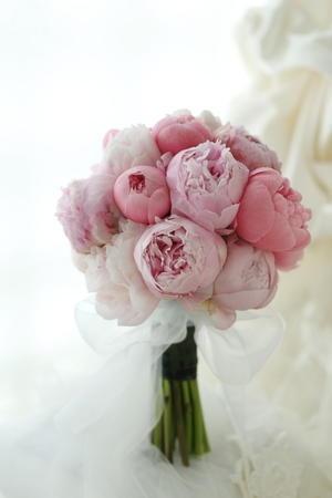 クラッチブーケ 芍薬 パレスホテル東京様へ : 一会 ウエディングの花