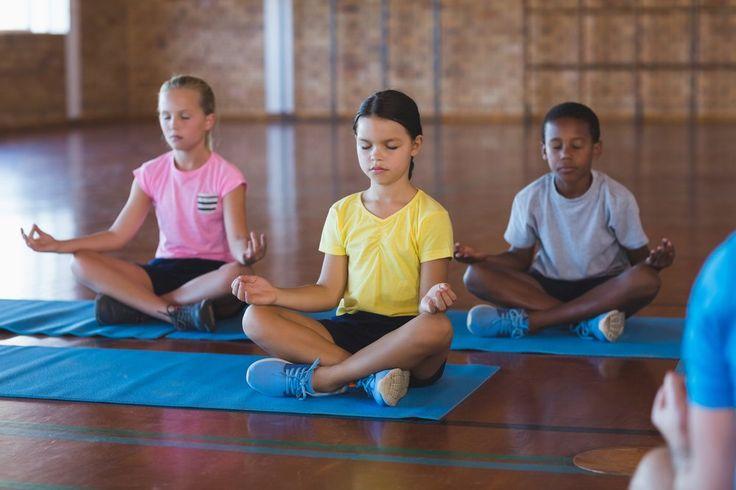 No lugar da punição, a prática da meditação pode ajudar na resolução de conflitos, melhora da concentração e na aproximação dos alunos e professores.