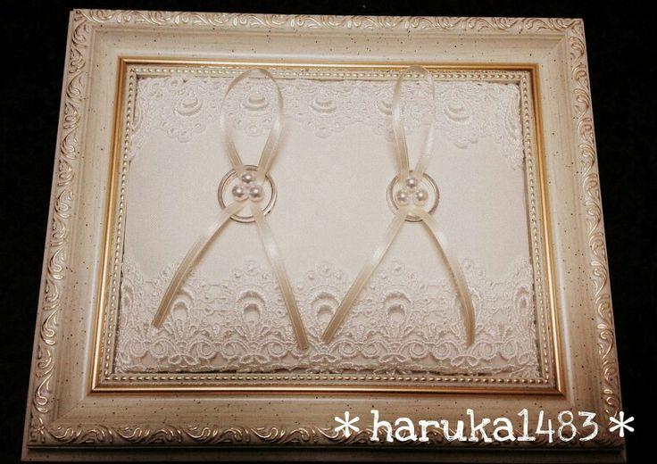 *DIY for my wedding* ring pillow ♡アンティークなフレームに布と綿を詰めただけ!レースリボンはボンドで端に付けて、リボンとパールを縫いつけて出来上がり♡ #リングピロー  #ウェディング #手作り結婚式