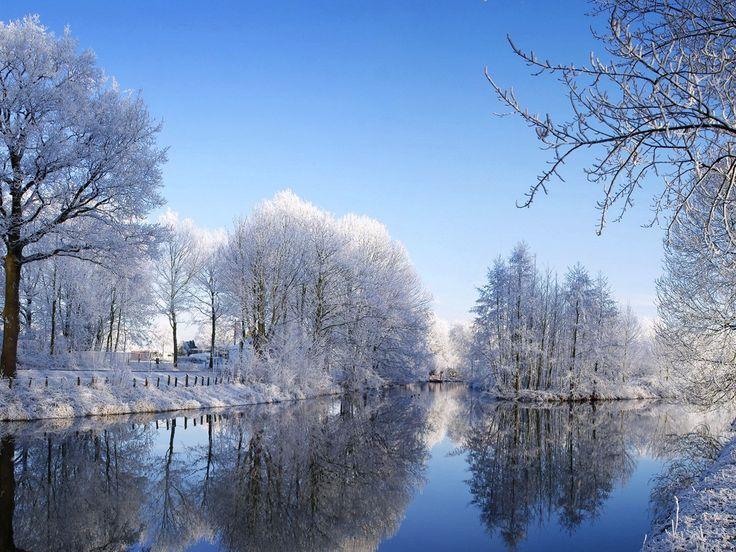 Beautiful Free Winter Wallpaper Designs For Inspiration