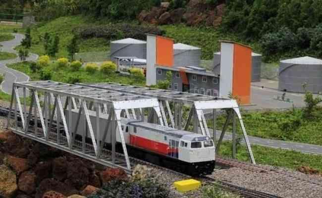 jam operasional taman miniatur kereta api lembang bandung