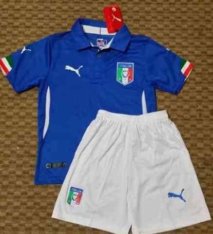 Jual Jersey Kids (Anak) Italia Home Piala Dunia 2014 Terbaru Murah - Kali ini kami ingin menawarkan kepada anda jersey kids italy home dengan harga murah dan terjangkau. Kualitas dari jersey italia ini adalah Grade Original 99% mirip dengan jerse
