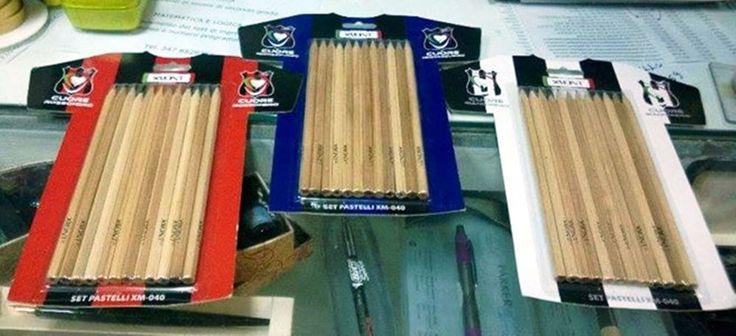 XMONT  nerazzurri-rossoneri-bianconeri set matite colorate -prezzo singolo