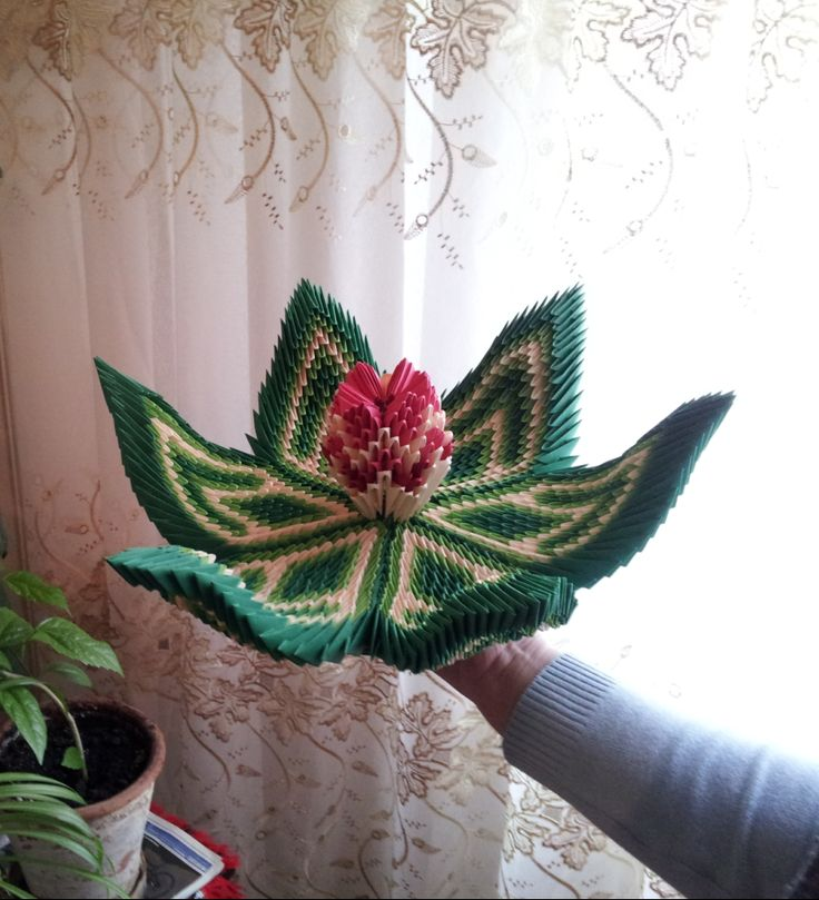 Mihaela's Origami3D handcrafted paper diy Water Lily interior decoration.