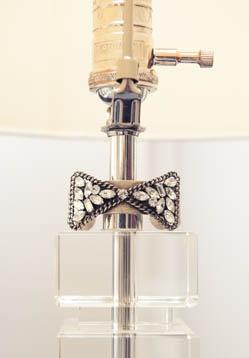 Here's a bright idea. http://thecoveteur.com/Jodie_Snyder#Decor Ideas, Ur Lamps, Decor Lamps, Coveteur, Decor Ur, Tres Chic, Amazing Piece, Dannijo Jewelry, Accessorizing