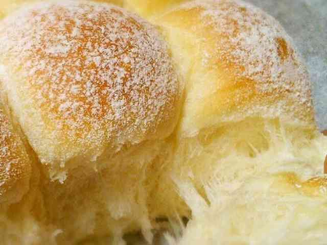 Moist and Fluffy Bread