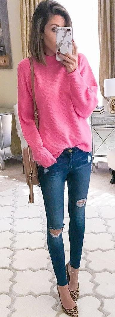 how to style a pink sweater : bag + rips + heels