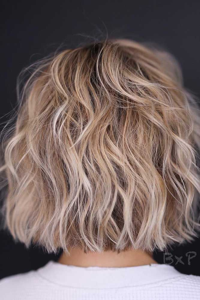 Short Layered Bob With Highlights #layeredbob ★ In case you would like to discover the most popular short layered haircu…