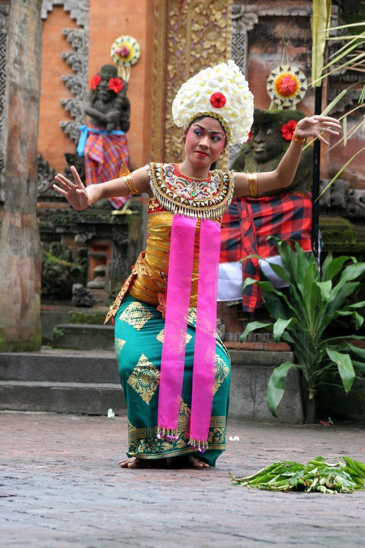 Image Detail for - File:Bali-Danse 0729a.jpg - Wikipedia, the free encyclopedia