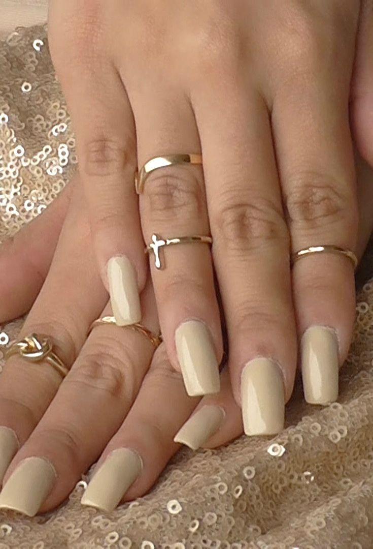 Estoy obsesionada en tener las uñas súper largas! Vean tips para tenerlas sanas en el blog: http://kikiyoshikay.com/unas-largas-algunos-tips/