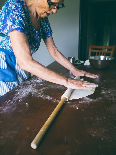 Making Spanakopita With Mum (Souvlaki For The Soul)