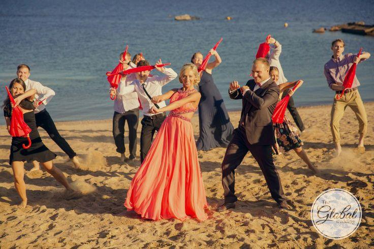 Свадебный танец на пляже. Флеш-моб. Wedding dance on the beach.