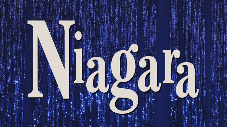 Niagara - Film von René Pollesch (D 2017) | Trailer  Ich war in der Rigaer Straße in Berlin. In der Rigaer Straße gab es ein besetztes Haus und das sollte geräumt werden und da waren unglaublich schöne Polizisten. Und die Polizisten waren sauer dass ich nicht auf ihrer Seite bin. Auf der anderen Seite stehen die Punker und da stehe ich auch. Und dann denke ich die Polizisten denken jetzt wahrscheinlich was sucht der schöne junge Mann da bei den Punkern! Und wisst ihr so ist es eben ich bin…
