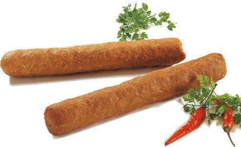 Frikadellen op Indische wijze  Speciaal voor de kids; Een Indisch vrouwtje heeft me dit recept ooit 'ns toegestuurd. Tja...ik dacht ....nu gaat het gebeuren. Hollandse frikadellen op Indische wijze klaargemaakt. Dat kan dus nooit wat zijn.   Toch maar eens gemaakt.... en ik moet eerlijk zeggen, het is verrassend lekker. Ik denk, dat  de kinderen deze frikadellen met smaak zullen eten en zeker geen frikandel meer willen hebben van een snackbar.