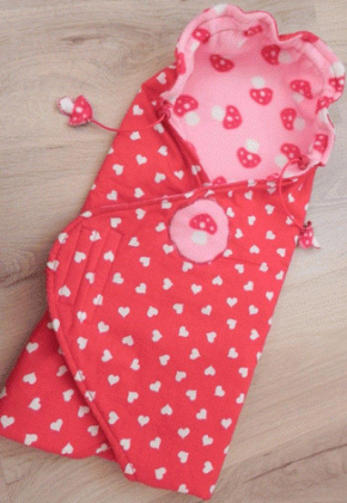 baby omslag doek/cape maken van een leuk stofje. Ook leuk als kraam cadeau