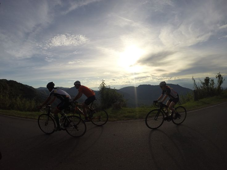 No words to describe this beautiful sunrise during our ride from Anserma to La Pintada