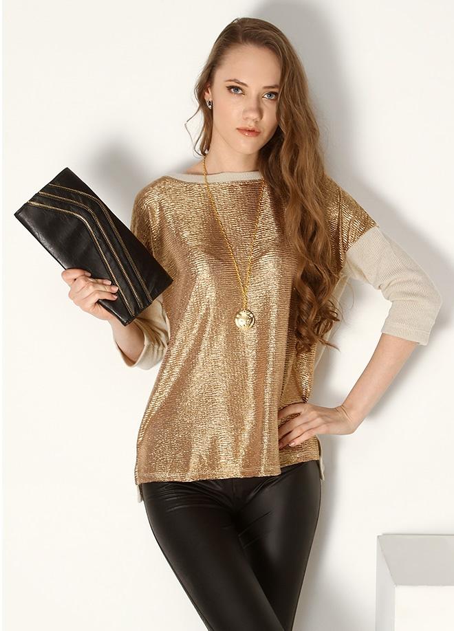 GOROS & ELM Önü parlak kumaş sırtı fermuarlı triko kazak Markafoni'de 30,00 TL yerine 9,99 TL! Satın almak için: http://www.markafoni.com/product/3559122/