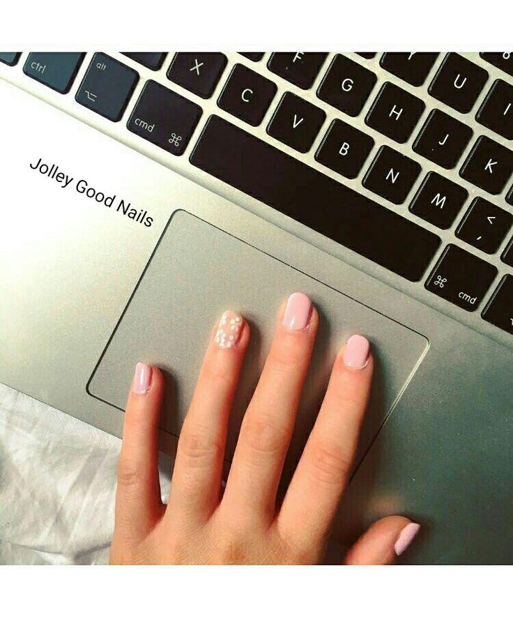 #gelish #pinksmoothie #flowers #Summernails #manicure #naturalnails #jolleygoodnails