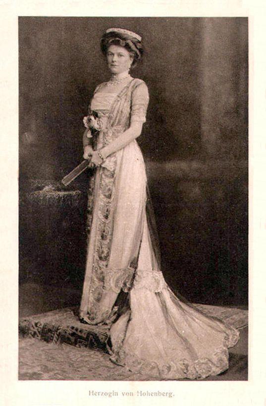 sophie chotek    Herzogin von Hohenberg Sophie Chotek, Duchess of Hohenberg   Grand ...