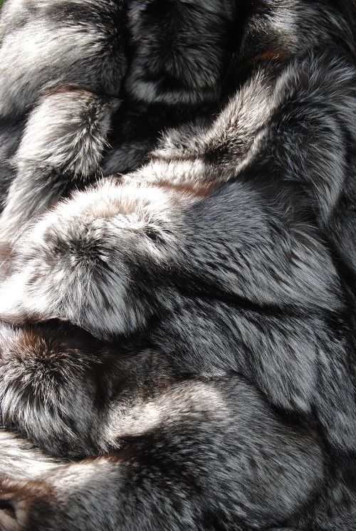 34 best norki plaid fourrure fur throw images on pinterest fur blanket fur throw and chess. Black Bedroom Furniture Sets. Home Design Ideas