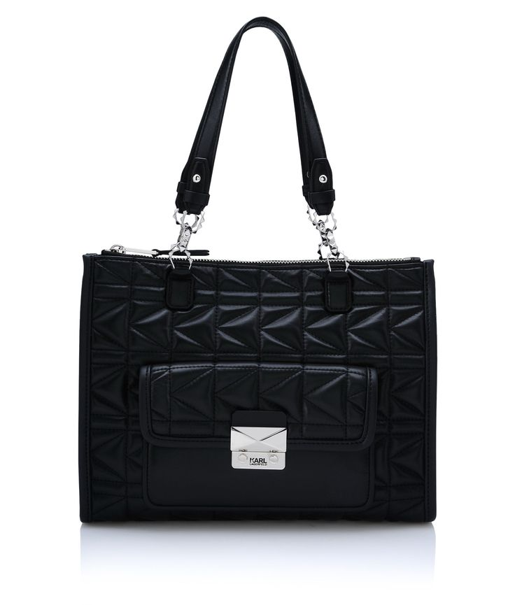 Are you looking for KARL LAGERFELD women's K/KUILTED TOTE? Discover all the details on KARL.COM. Fast delivery and secure payment.