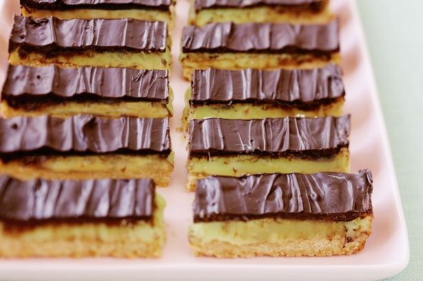 This beautiful chocolate and peppermint slice is a fantastic gift to take to friends or family.