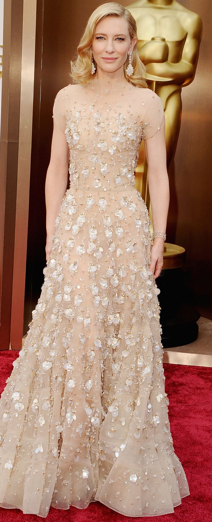 Cate Blanchett in Armani Prive at the #Oscars