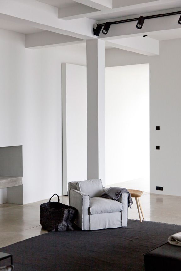 Rolies + Dubois architecten are based in Antwerp, Belgium and they make magic happen with their...