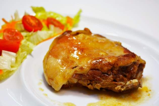 Cordero asado en cazuela. El cordero en España se consume de siempre y en La Rioja en particular encabeza una serie de platos bandera en la región....