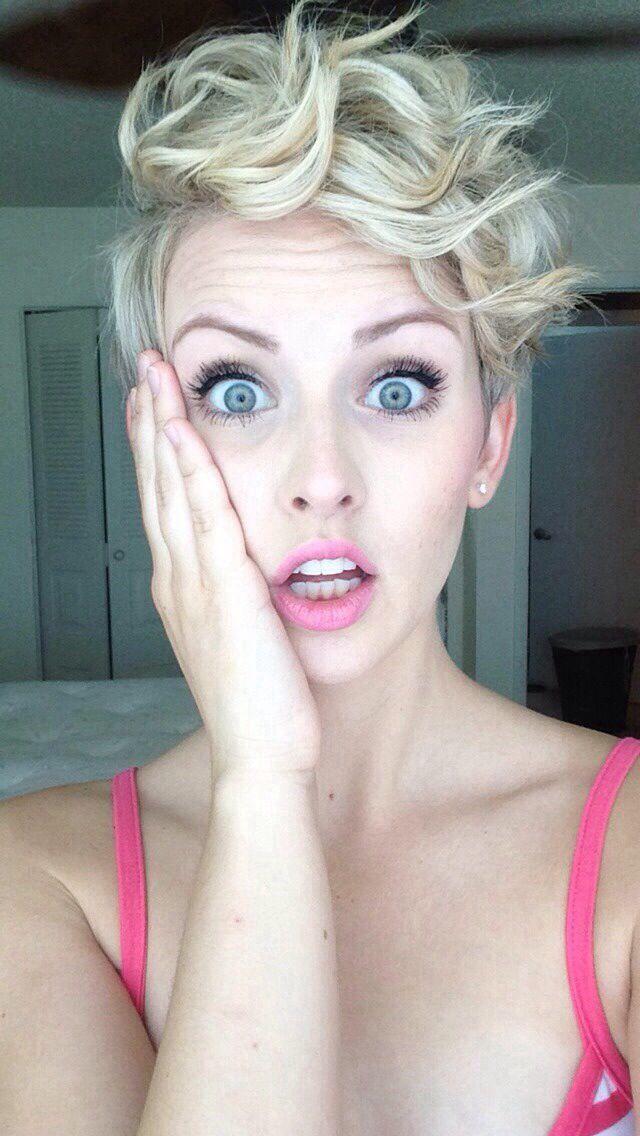 "14 sexy blonde ""bombshell"" korte kapsels die de show stelen"