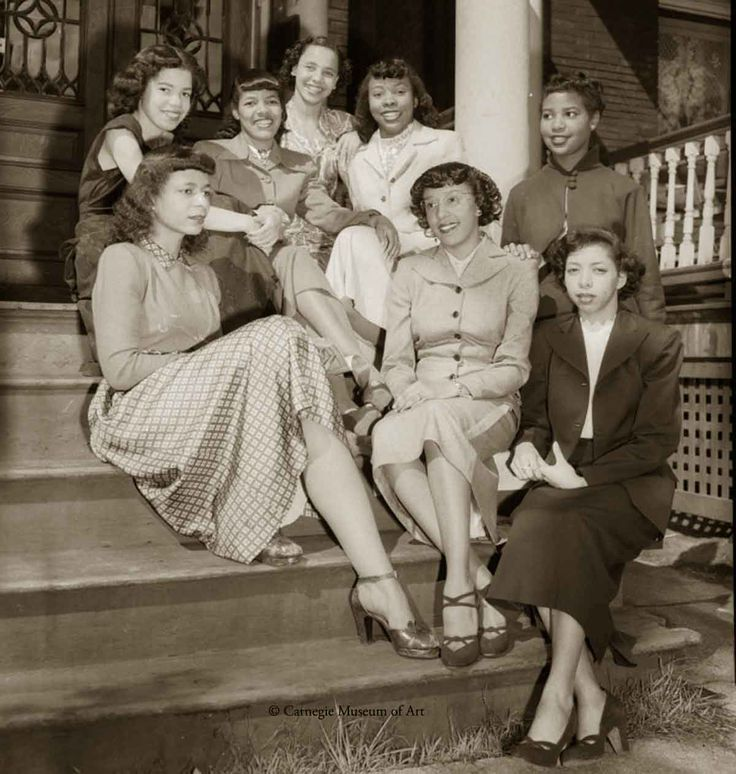 wartime women in the 1940s I agree with the bigbluedaddy women were held accountable for fulfilling what our society calls a man's job in order to keep our country running during wwii and the korean war in the 50's.