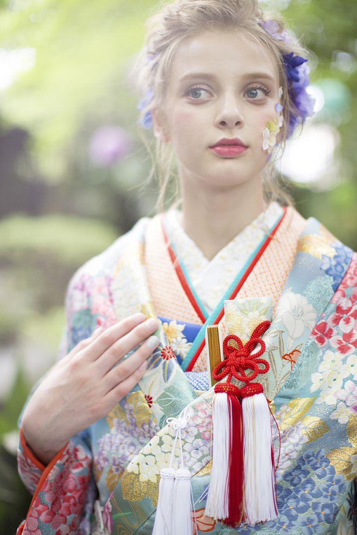 AYUMI BRIDAL kyoto kimono japan  紫陽花 色打掛 photographer : inamura masato