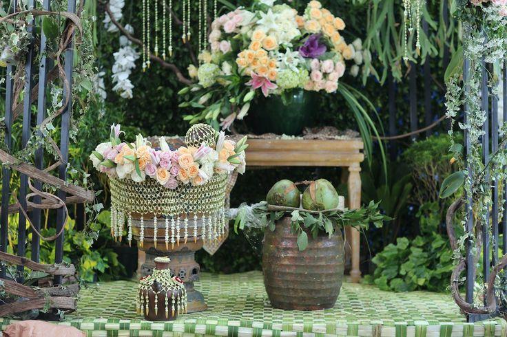 Pernikahan Adat Jawa Ria dan Bogy di Jakarta