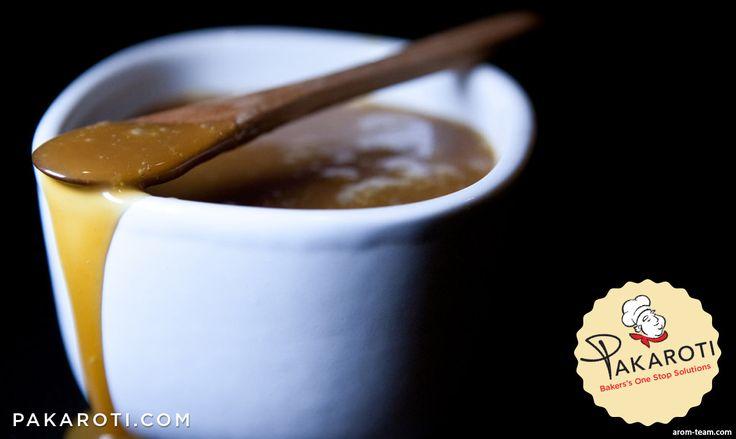 Karamel terbuat dari gula pasir yang dipanaskan hingga terbentuk larutan kental berwarna kecokelatan dengan aroma yang khas. Selain memberi rasa manis, karamel juga memberi warna kecokelatan dan aroma yang harum pada kue. #Bakerspedia
