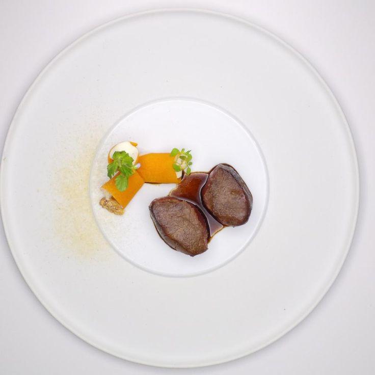 Jean-François Piege / Chevreuil cuit sur des marrons grillés | Madrid Fusión | Madrid Fusión at Madrid Fusión. Archiving Food Photography | Gastronomy